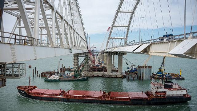 Трафик судов в Керчь-Еникальском канале за 5 месяцев вырос почти на 20%