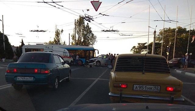 В Севастополе внедорожник сбил мотоциклиста