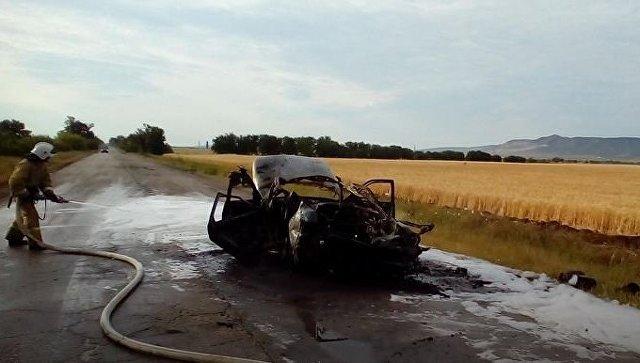 В Крыму сгорел ВАЗ: водитель получил ожоги