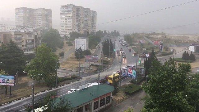 Дождались: на Крым обрушились грозовые дожди