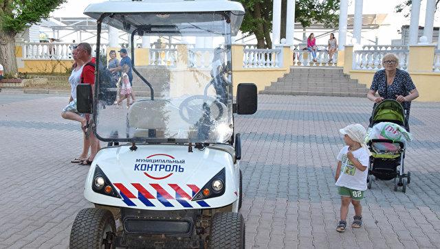 В Евпатории электрокары начали бороться со стихийщиками