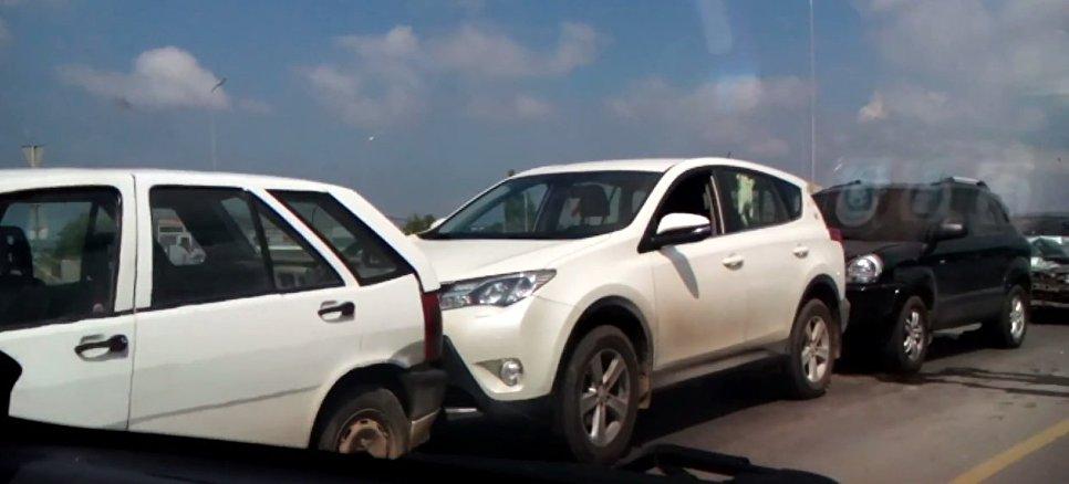 В Севастополе столкнулись четыре авто
