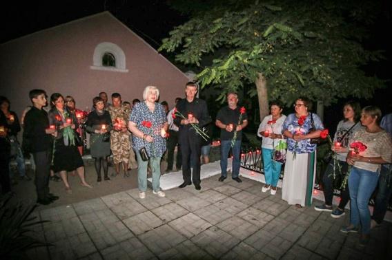 В Севастополе будут зажигать свечи и пускать кораблики