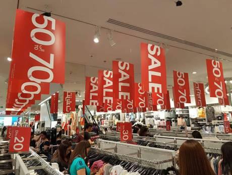Распродажи 24 часа в торговых центрах ОАЭ в дни праздника.