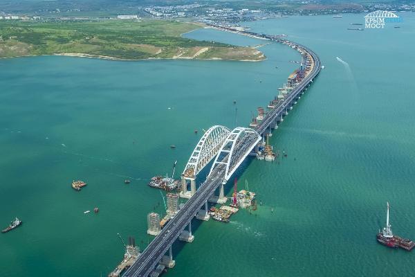 Турпоток в Крым вырос на 14% на фоне запуска моста через Керченский пролив