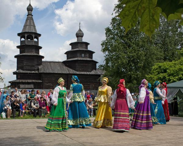 Новгородский фольклорный фестиваль собрал более 700 участников из России и зарубежья