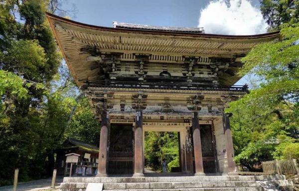 В Японии туристы смогут переночевать в исторических храмах