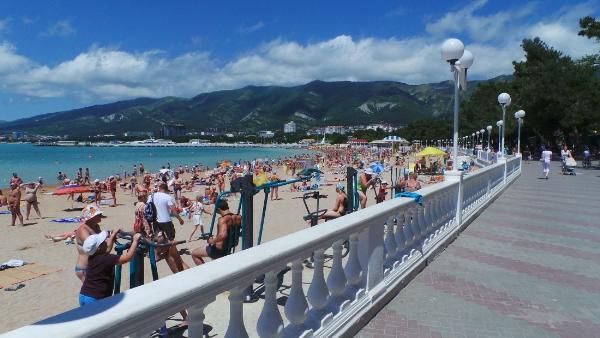 К концу 2019 году на Черноморском побережье 500 пляжей оснастят Wi-Fi
