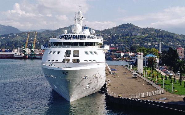 Морское сообщение между Батуми и Сочи открывается 11 июня