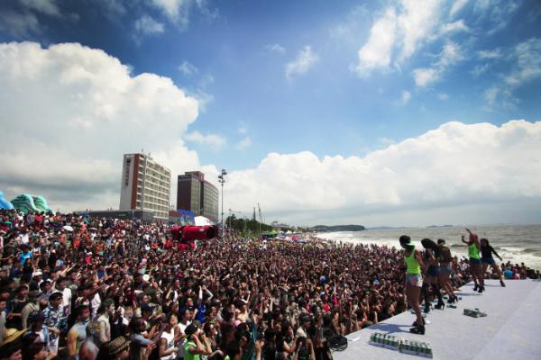 Открытие пляжного сезона в Корее