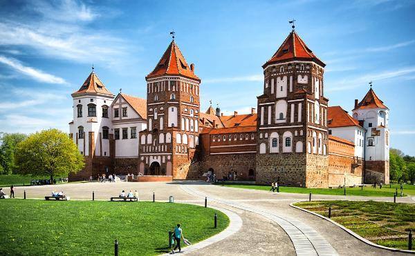 Белоруссию в 2017 году посетило почти 200 тысяч российских туристов