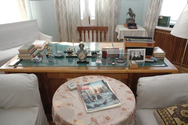 Более 400 экспонатов из музея Шолохова впервые привезли в Ростов-на-Дону