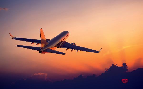 Названы чартерные авиакомпании, которые в мае задерживали вылеты чаще всего