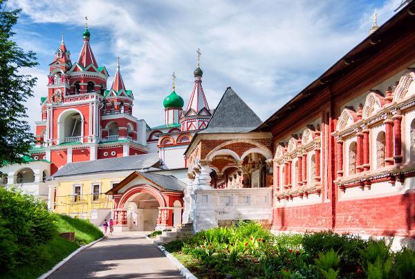 Болельщиков отправят в тур по древнему подмосковному городу Звенигороду