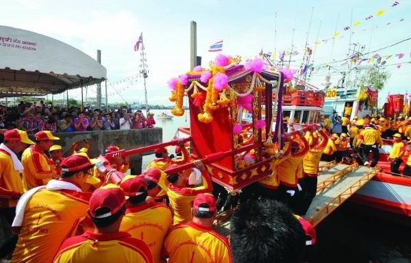 В Самутсакхоне туристы увидят храмовую церемонию для рыбаков