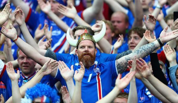 Насмотревшись футбола, россияне раскупают билеты в Исландию