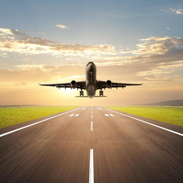 Самостоятельные туристы летают на регулярных рейсах