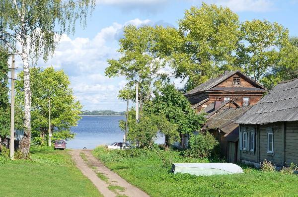 Названы популярные летние курорты на озерах России