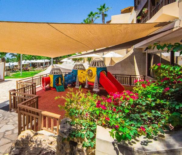 Юных гостей Four Seasons на Кипре ожидает новая программа развлечений