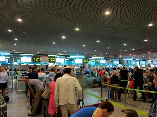 В московских аэропортах отменили несколько рейсов из-за сбоя в системе регистрации пассажиров
