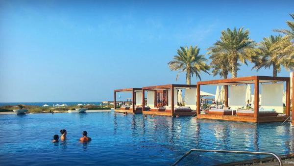 Треть всех туристов в ОАЭ предпочитает ленивый пляжный отдых