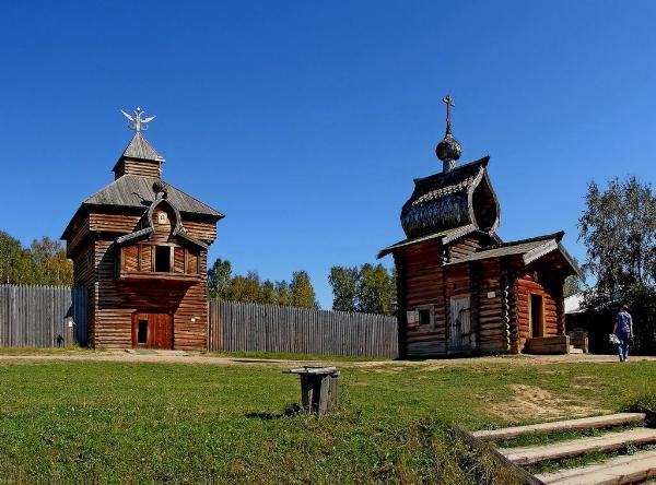 Удар молнии разрушил деревянную часовню на территории музея под Иркутском