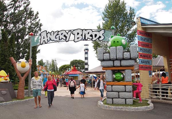 В Катаре открылся первый в мире парк развлечений «Мир Angry Birds»