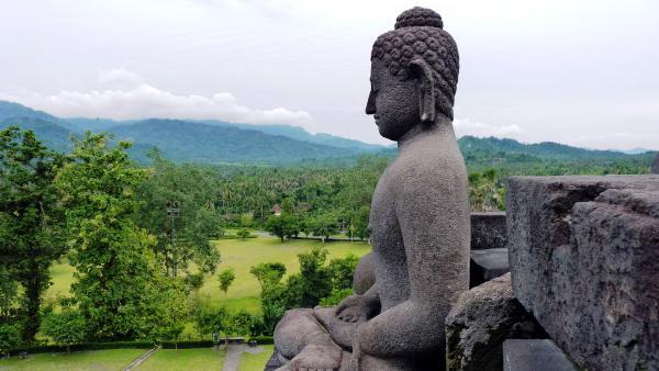 Индонезийские бизнесмены призывают власти субсидировать авиабилеты для иностранных туристов