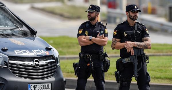 Полиция в Турции и Испании выставила туристов из квартир, арендованных через Airbnb