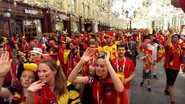 Красная площадь, Арбат и ВДНХ стали самыми популярными местами у туристов ЧМ-2018 в Москве