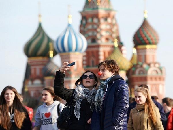 Медведев поручил проработать вопрос о субсидировании интуристам части стоимости турпутевки