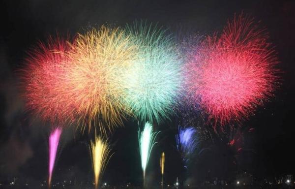 «Адати»: летний фестиваль фейерверков в Токио