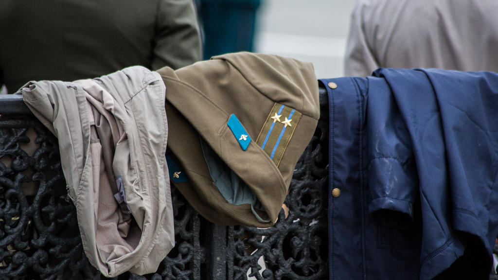 В Крыму военнослужащие вымогали деньги