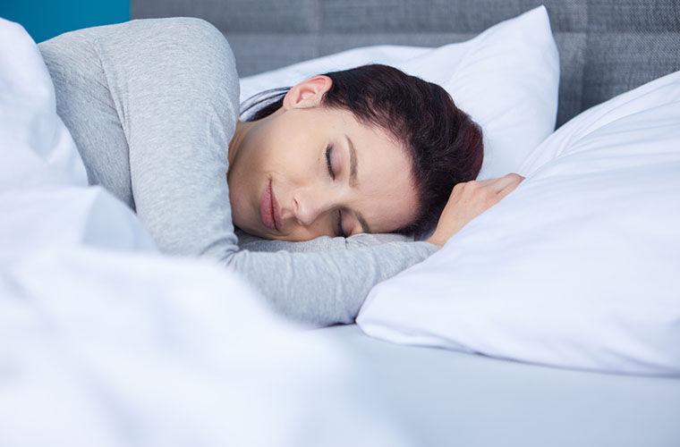 Эксперт поясняет, почему современному человеку недостаточно 8 часов сна