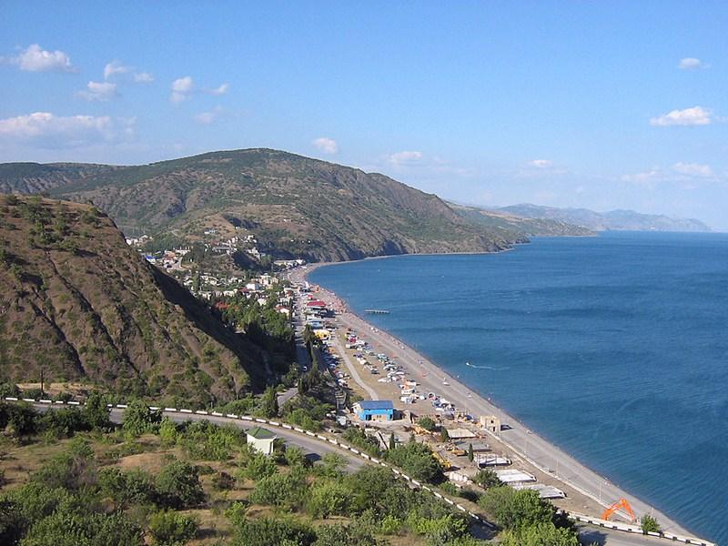 Поселки на побережье Крыма хотят закрыть для личного транспорта