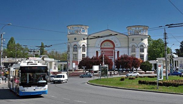 """В здании бывшего кинотеатра """"Симферополь"""" появится молодежный центр"""
