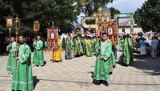 Как Симферополь отметит День семьи, любви и верности