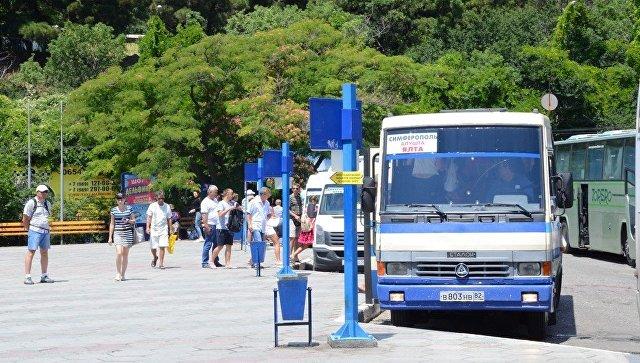 """В крымских автобусах начнут ловить """"зайцев"""""""