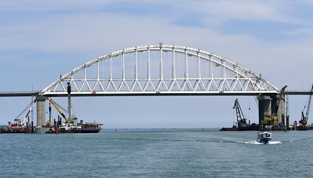 Железнодорожную часть Крымского моста строят по графику – Минтранс