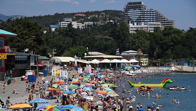 """Окунуться в лето: сколько стоит отдохнуть в Крыму в """"высокий сезон"""""""