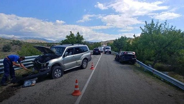Серьезное ДТП в Крыму: пострадали шестеро взрослых и пятеро детей