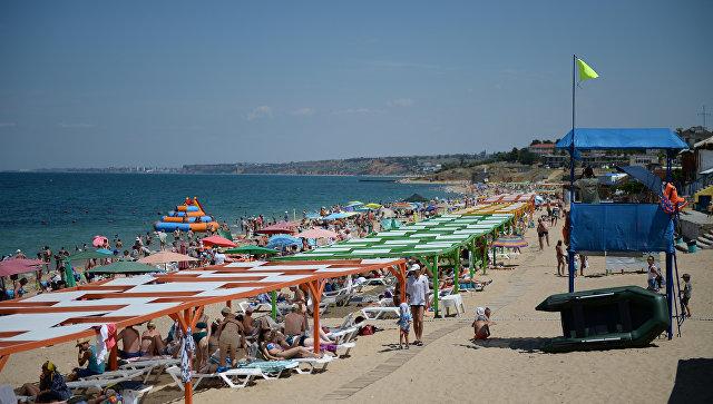 На пляжах Севастополя установят около сотни ларьков и павильонов