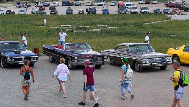 Рев мотора из 50-х: в Крыму проходит фестиваль ретро-автомобилей