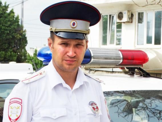 В Севастополе инспектор ДПС остановил на ходу неуправляемый автобус