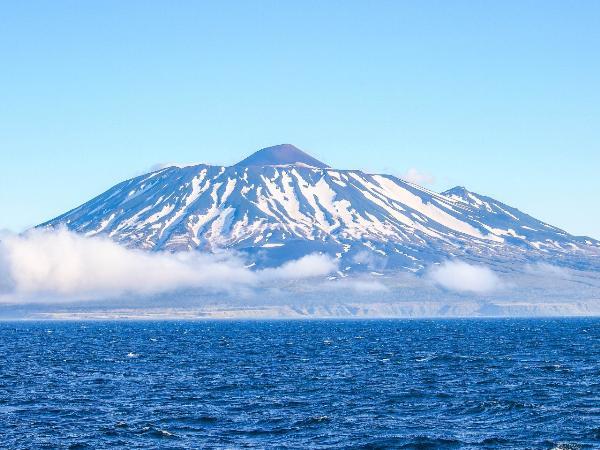 Власти Сахалина увеличили частоту авиарейсов на курильские острова Итуруп и Кунашир