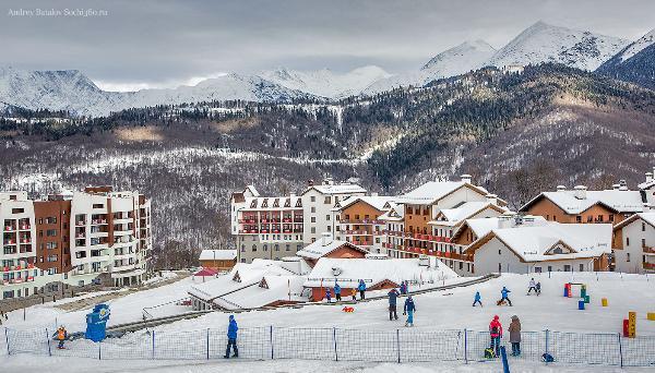 Курорт «Роза Хутор» открыл продажи ски-пассов и отелей на сезон-2018/19