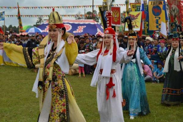 Бурятский национальный фестиваль «Алтаргана» собрал в Иркутске более 5 тысяч человек