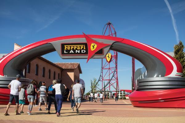 Port Aventura - шестой по посещаемости тематический парк Европы