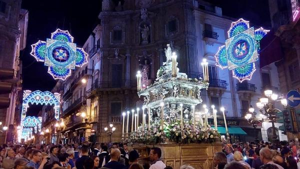 Фольклорно-религиозный праздник Святой Розалии в Палермо 14-15 июля