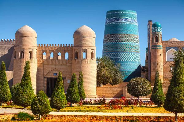 Иностранцы с 15 июля смогут посещать Узбекистан по электронным визам